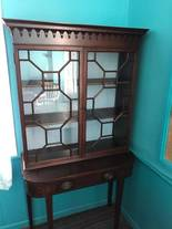 Bookcase Stand of 12-13-17 West Household & Collectibles Auction