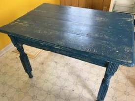 Kitchen Table of 12-13-17 West Household & Collectibles Auction