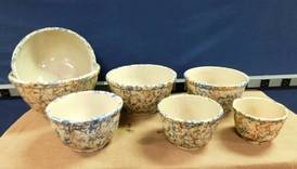 Unmarked Spongeware Nesting Bowl Set of 12-13-17 West Household & Collectibles Auction