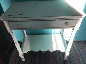 Washstand of 12-13-17 West Household & Collectibles Auction